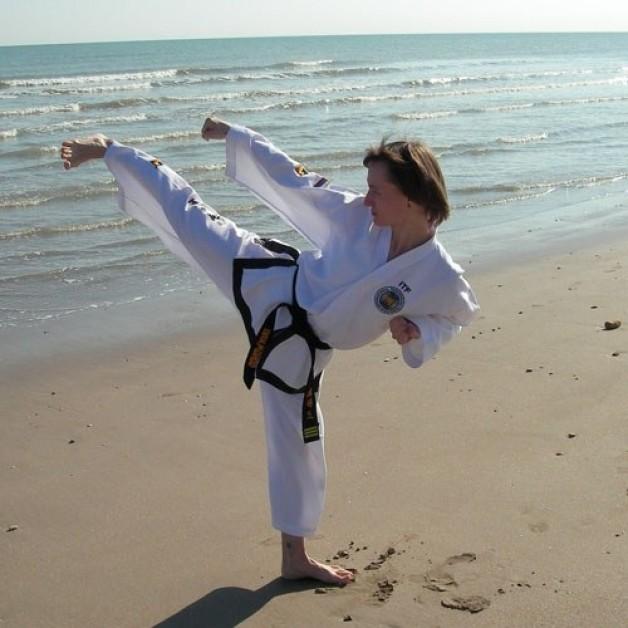 Уроки акробатики: капоейра