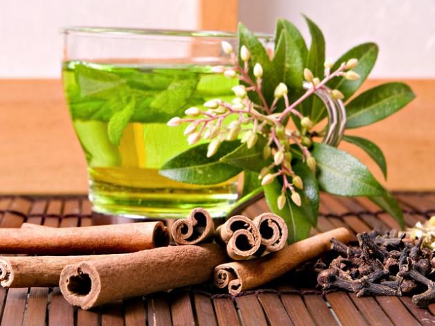Поговоримо про корисні властивості чаю